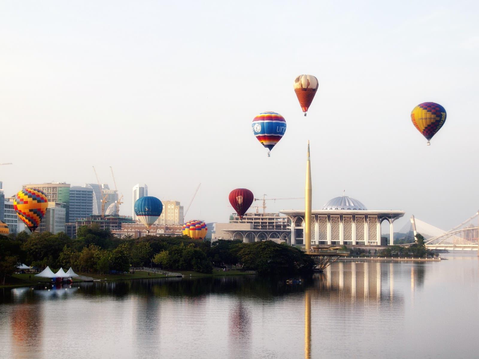 wisata balon udara malaysia