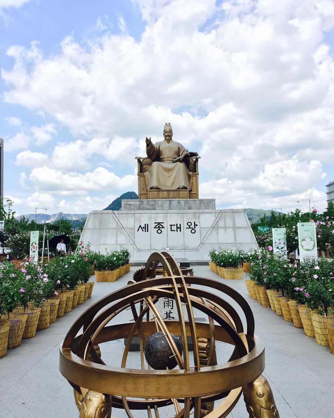 Gwanghwamun Square Sumber Instagram yuniprihatiana-min