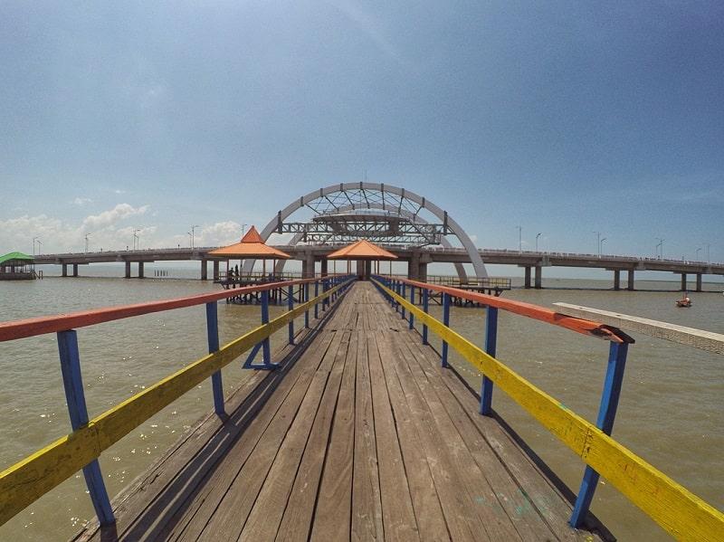Pantai Kenjeran Surabaya Sumber Instagram kopijambi-min