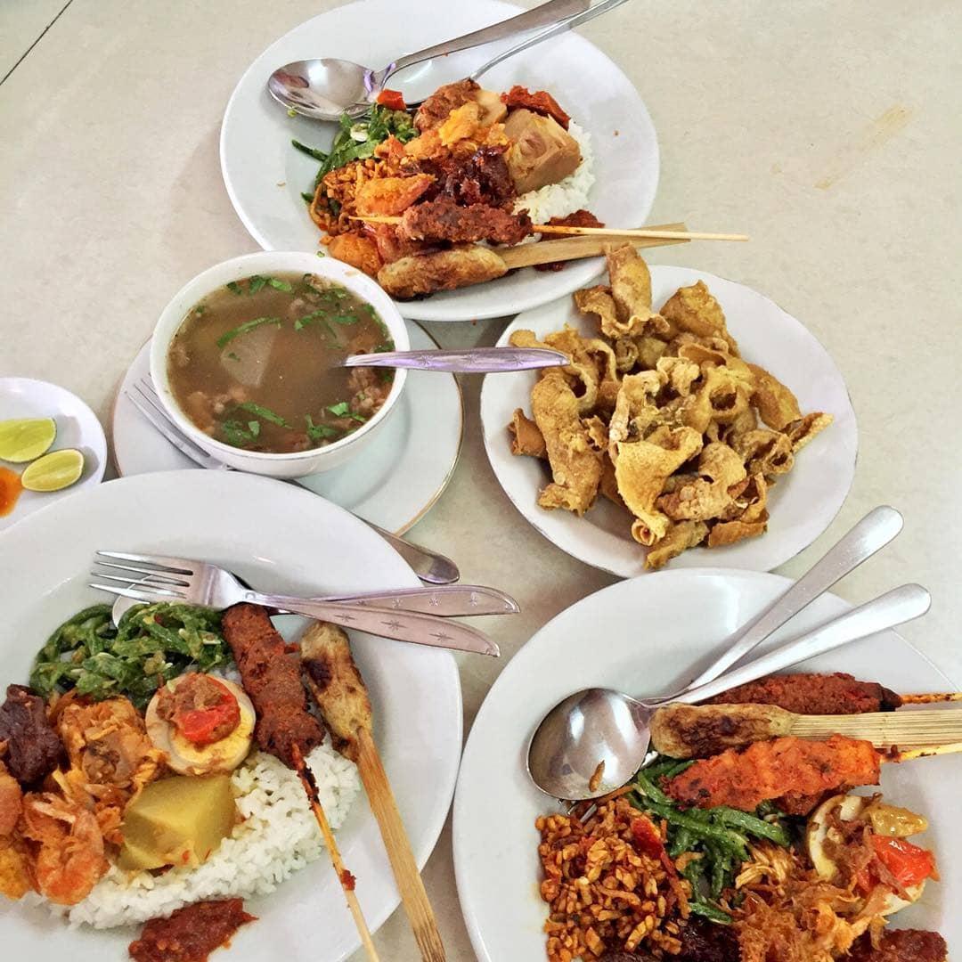 Tempat Makan Legendaris di Bali by Instagram vickovicko-min