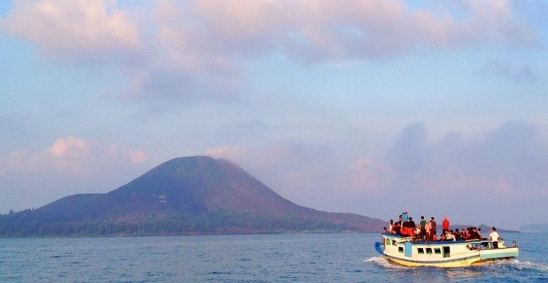 gunung-krakatau-lampung by explore seribu pulau indonesia