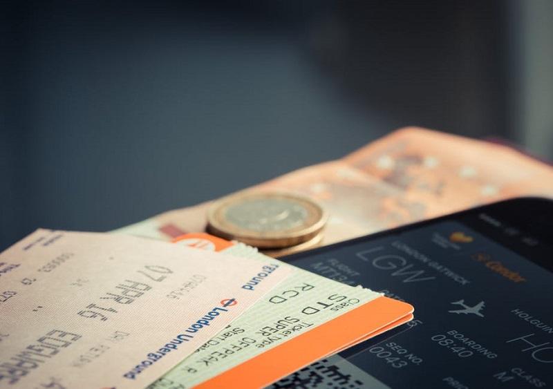 kesalahan saat booking tiket pesawat Sumber Pexels