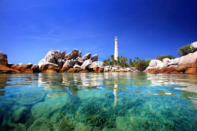 pulau-lengkuas-belitung by anekatempatwisata-min