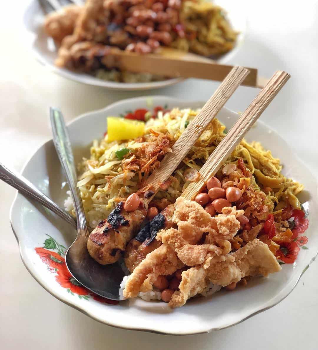 Warung Nasi Bali Men Weti Sumber Instagram itweeeats-min