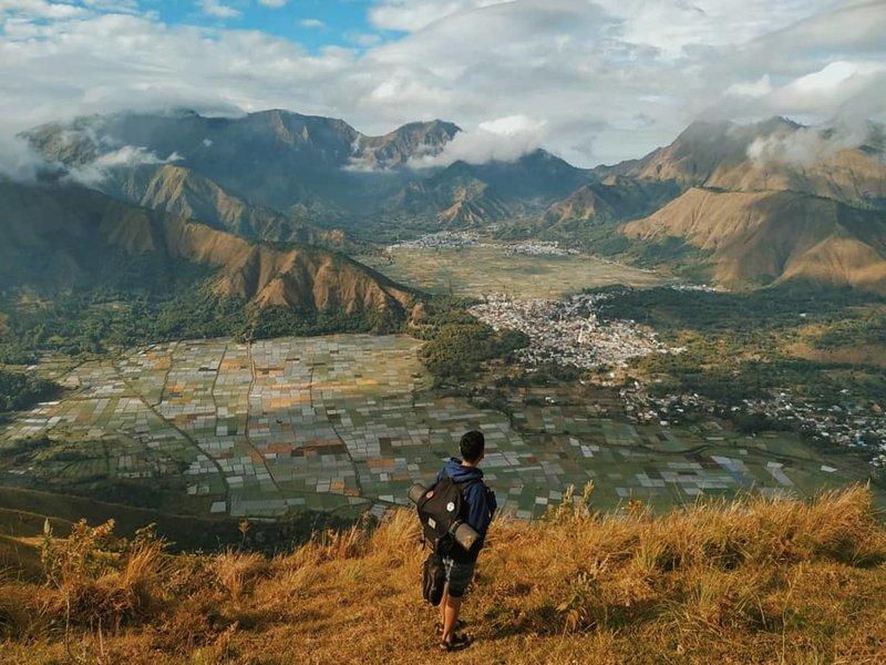 Tempat Wisata Alam Tersembunyi di Lombok - Bukit Pergasingan